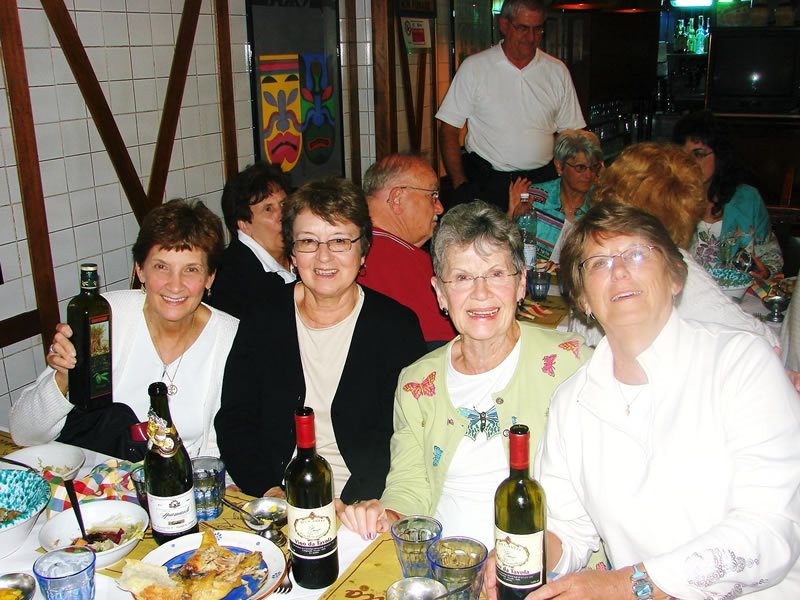 Enjoy relaxing evenings with great company - Italian Heritage Tours